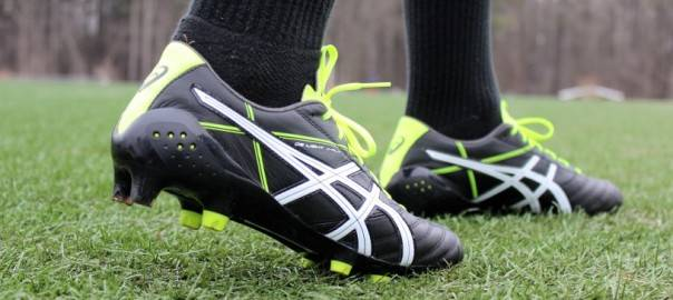 CHOOSE BEST SOCCER CLEATS